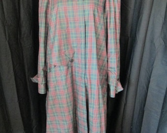 London Fog green plaid long trench coat with removable black wool liner womens size 12