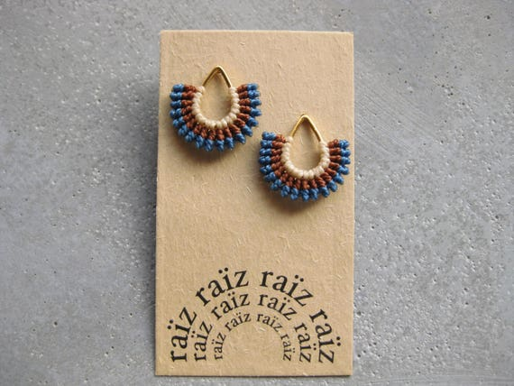 I b e y i . Gold Teardrop Textile Stud Earrings . © Design by .. raïz ..