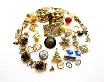Vintage Repurpose Jewelry Lot of 29 Pieces Sparkling Rhinestones Pearls Gold Silver Charms Glass Jewels Destash Harvest Jewelry Craft lot