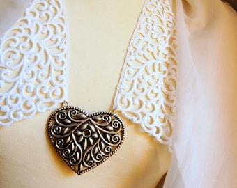 Vintage crochet collar embellished dress collar, Neck piece, handmade necklace, neckline adornment, heart