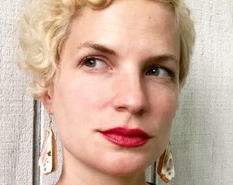 Large Gold Dipped Sea Shell Slice Boho Rocker Chic Dangle Drop Earrings | Beachy | Sea Shell Earrings | Gold Earrings | Chunky Earrings