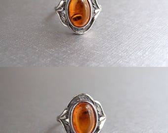 Art Nouveau Sterling Silver Amber Ring 1960s Victorian Revival ... size 7.25