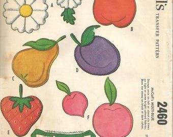 1960s Fruit Appliques For Aprons Towels Potholders Curtains McCall's 2460 Uncut FF Vintage Sewing Pattern
