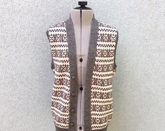 Vintage 90s Men's Striped Sweater Vest, 90s Men's Clothing, 90s Vest, Print Sweater Vest, Pattern Sweater Vest, Size S