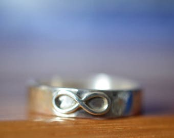 Infinity Wedding Band, Sterling Silver Infinity Ring, Men's Wedding Ring, Personalized Unisex Jewelry, Custom Engraved Secret Message Ring