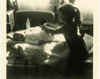 "Vintage Photo ""The Diaper Changer"" Snapshot Antique Black & White Photograph Found Paper Ephemera Vernacular Interior Design Mood - 33"