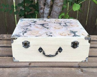 Wishing Well Box - Wedding Card Box - Jewelry Box - Keepsake Box - Wedding Money Box - Mr. and Mrs. - Bride and Groom - Wedding Chest