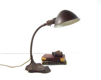 Vintage Gooseneck Desk Lamp / Art Deco Cast Iron Gooseneck Table Lamp / Industrial Lighting
