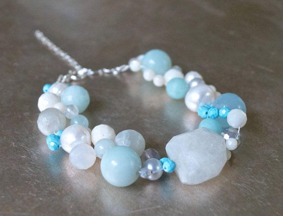 Moonstone cluster beaded bracelet - Light Blue
