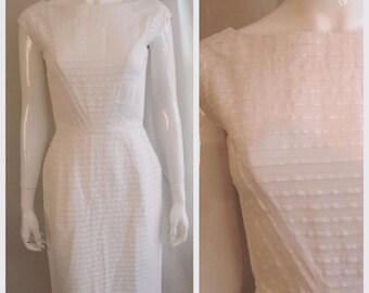 Vintage 1950s Dress White Cotton Wiggle Dress Unusual Woven Stripes Small 35 x 25 x 37