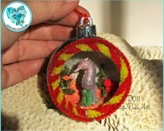 Seahorse Diorama Retro Ornament, OR011, Teal Ext.