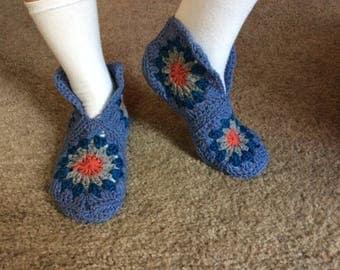 Handmade crochet slippers, Crochet house shoes, Zapato tejido, Crochet hexagon slipper boots