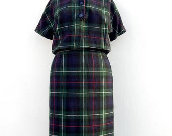Vintage 50s 60s wool shirtwaist plaid dress with peter pan collar