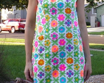 BRIGHT FLORAL SHIFT dress 60's 70's vintage flower power mod S (B1)