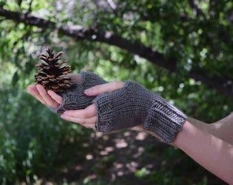 Gray Knit Womens Gloves Gray Fingerless Gloves Wrist Warmers / Womens Knit Fingerless Gloves Mitts / Womens Fall Fashion Womens Accessory