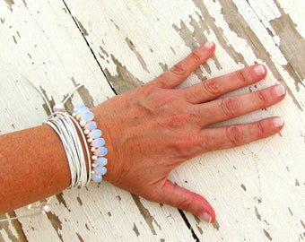 Boho Wedding Bracelet for Bride, Bohemian Bridal Jewelry with pearls, Alternative Wedding, Wrap Bracelet with white leather and stones