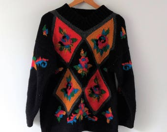 Vintage 1980s 80s pattern wool sweater, hand knit chunky sweater, floral sweater, medium / large