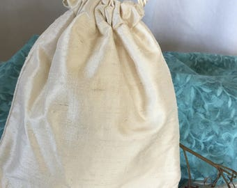 Handmade Off White Bridal Bag. Silk Dupioni Wedding Purse With Linen Lining and Bottom Beads. Silk Drawstring Purse.