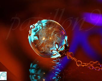 Dandelion Seeds Pendant / GLOW in the DARK / Glass Bubble Pendant / Dandelion Seeds /