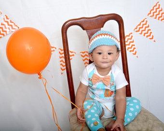 Fox Birthday Baby Boy Bow Tie bodysuit w shorts, Leg Warmers, Newsboy hat, Mini party Crown, Woodland, First Birthday, 1st Birthday