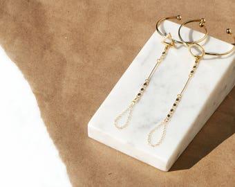 Mia- Dainty Gold Hand Chain