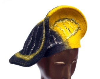 Black and Yellow Hat - BlacknGold Steelers Nation Winter Hat - Pittsburgh Bridges Felted Beret - Yin and Yang Black Wool Hat