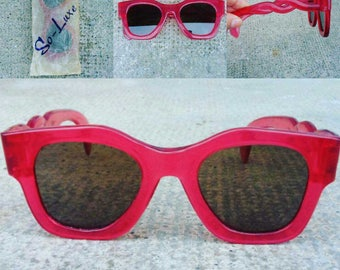 Stunning Vintage 1940s 40s Cranberry Celluloid Sunglasses with Nice Twisted Arms -Deadstock/Nos- Art Deco-Zazou-Swing-WWII-Homefront-Pinup