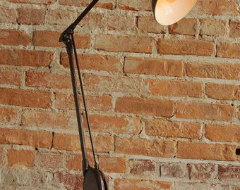 1950's Dazor Floating Action Articulating Lamp