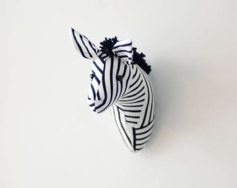 Faux taxidermy head small black and white zebra wall decor Hunting Trophy animal head