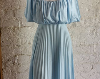 Vintage 1970's Blue Disco Dress /  Sky Blue Fancy Frock / 1970s Party Dress / 70s Pleats and Lace Dress / Modest Feminine Dress XS/S