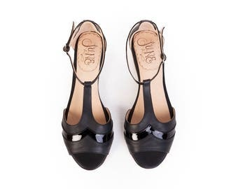 Vickyna black - Woman flat shoe. T-strap sandal in black leather and black patent - Handmade in Argentina - Free shipping