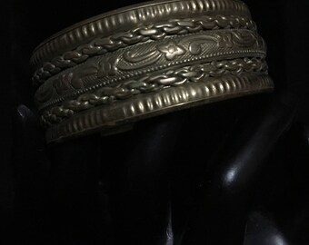 Vintage Mexican Brass Cuff Bangle (ABX1H)