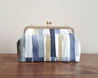 Grey / mustard / white stripes kisslock frame purse / clutch / crossbody bag