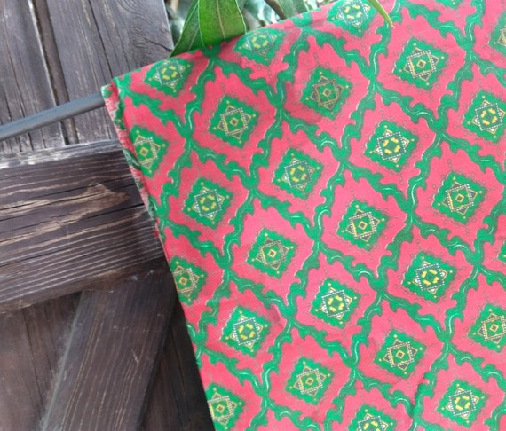 Vintage Red & Green Provence Fabric NOS French Home Decor Cotton Fabric Sewing Project #sophieladydeparis