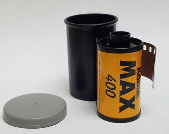 Expired 35mm Color Film  |  Single Roll | 1 Roll of Kodak Max 400 ISO 24 Exposure Film |  Great For Lomography  | Photographic Film