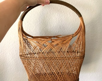 Vintage Fine-Detailed Rattan Basket with Handle / Delicate Woven Wicker Basket
