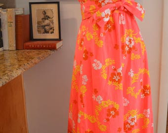 Vintage 1960s 1970s Hawaiian pink floral cotton maxi dress M medium