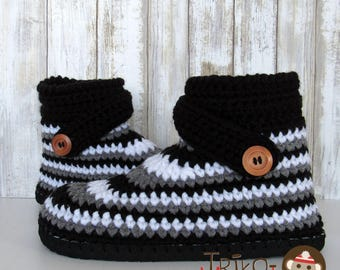 Slippers crochet with sole