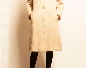 1970's white camel hair 3/4 coat