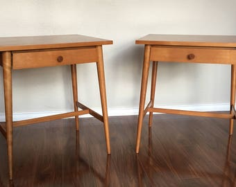 Pair of Mid-Century Paul McCobb Planner Group End Tables / Nightstands