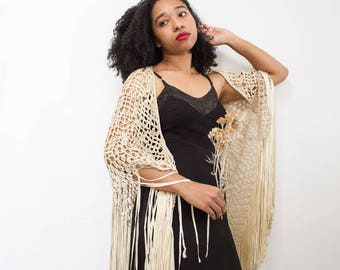 vintage 1920s champagne hand-knotted macrame shawl