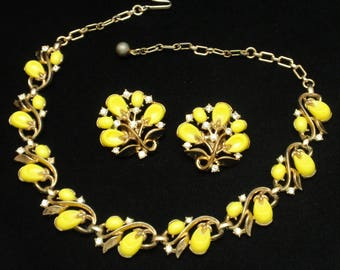 "Yellow ""Pebble Beach"" Set from Trifari Necklace Earrings"