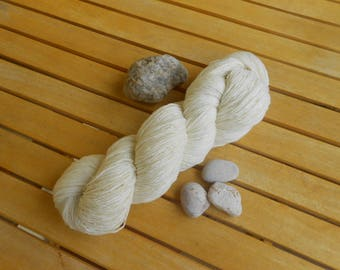 Handspun art yarn - 16 mic merino,360 m