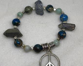 Gem Beaded Peace Sign Bracelet /Peace sign Bracelet / Blue Gem Bead Bracelet / Beach Style Bracelet / Boho Style Bracelet/Hippie Style