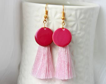 Gold Ohrringe, rose tassel gold earrings with pink enamel, enamel earrinigs, pink earrings, feminine earrings, modern jewelry