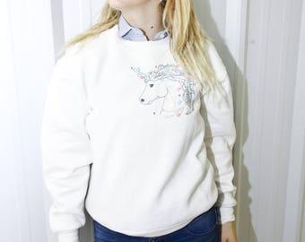 VTG RETRO PULLOVER ϟ Statement Embroidered Sequin Unicorn White Long-sleeve Crewneck Jumper / Sweater