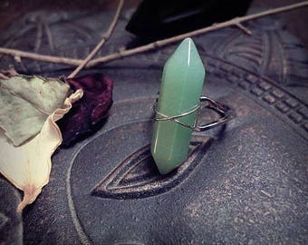 Green Aventurine Crystal Point Ring, Green Quartz Ring, Green Stone Ring, Adjustable Ring, Witch Ring
