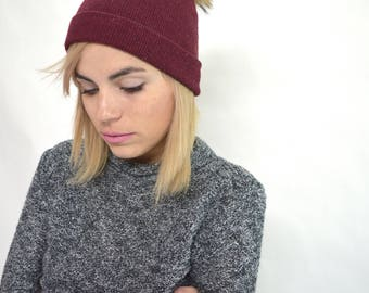 Real knitted cap with fur pom pom, fox fur pom pom hat,burgundy knitted hat, beanie fox fur hat, with stretch textile. Beanie winter hat.