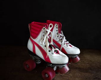 Vintage Kid's Roller Skates, Retro Rollerskates, Vintage Skates, Roller Derby Kid's Size, Home Decor, Kid's Room