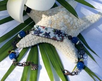Retro Flower design Enameled bracelet